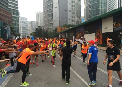 PKT Advisor Dato Peter Tan waving off the start of KL Runners Group May 2016